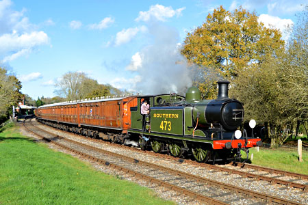 E4 on departure from Kinsgcote - Steve Lee - 1 November 2014