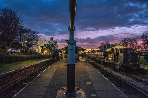 E4 and S15 at sunset at Horsted Keynes - Nick Burgess - 20 December 2014