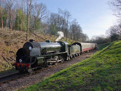 S15 approaches Lindfield Wood - Paul Furlong - 2 January 2015