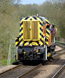 09 with brake van rides - Keith Duke - 17 April 2015