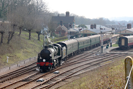 U-class departing from Horsted Keynes - Tony Sullivan - 9 April 2015