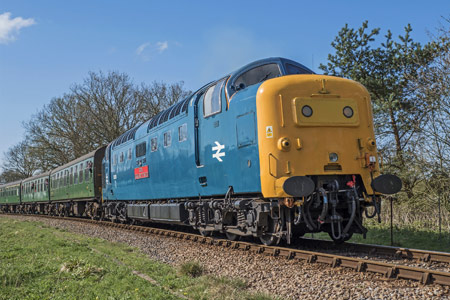 55019 leaves Horsted Keynes - Jordi Blumberg - 18 April 2015
