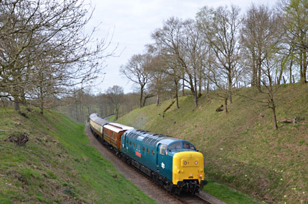 55019 approaches Holywell - Andrew Crampton - 17 April 2015