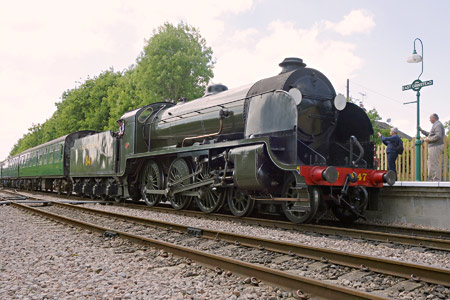 847 arrives at East Grinstead with the 1.30pm service from Sheffield Park - Brian Lacey - 10 June 2015