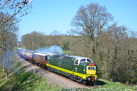 D9009 approaches Holywell - Andrew Crampton - 18 April 2015