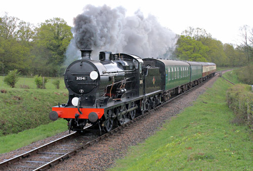 Q-class with the 4pm service at Holywell - Peter Edwards - 29 April 2015