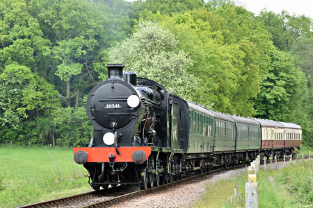 Q-class at Leamland - Brian Lacey - 21 May 2015