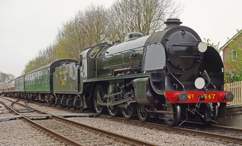 S15 arrives at East Grinstead - Brian Lacey - 26 April 2015