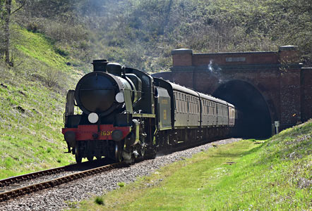 U-class leaving the Tunnel - Brian Lacey - 14 April 2015