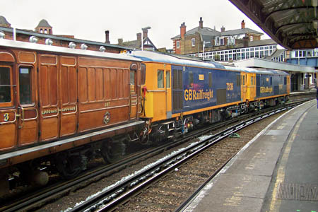 73s with the Mets at Clapham Junction - Nicholas Woollven - 16 September 2015