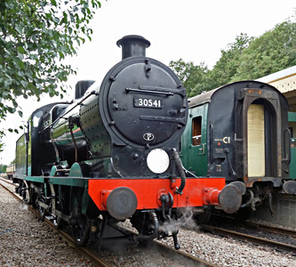 30541 at East Grinstead - Brian Lacey - 23 September 2015