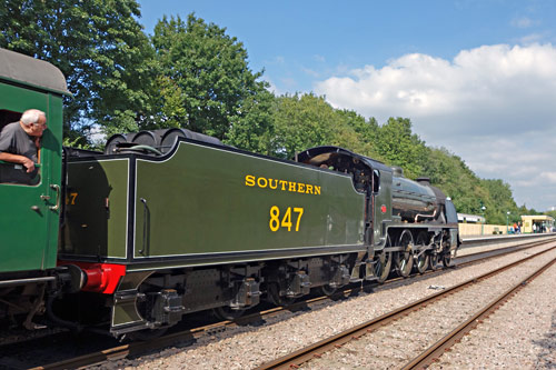 S15 arrives at East Grinstead - Brian Lacey - 9 September 2015