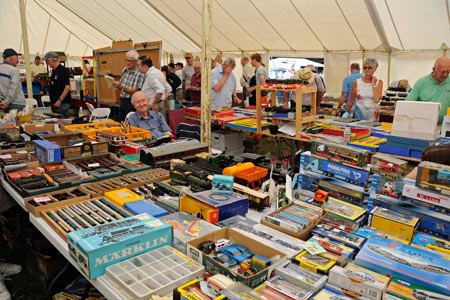Toy and Collectors' Fair at Horsted Keynes - Derek Hayward - 18 July 2015
