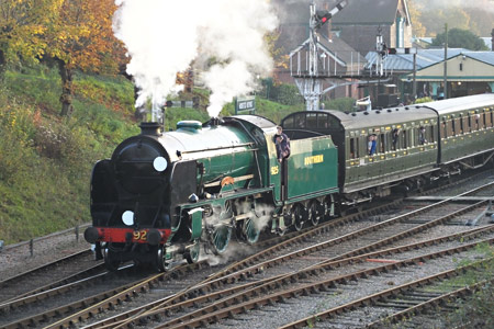 Cheltenham departs from Horsted Keyens - Peter Wilson - 31 October 2015