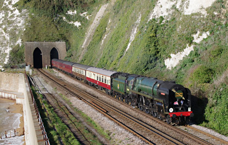 Golden Arrow with 70000 'Britannia' leaving Shakespeare tunnel - Roger Cruse  - 4 October 2015