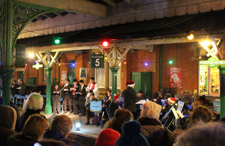 http://www.bluebell-railway.co.uk/bluebell/pic2/wn/2015d/carols_deiniolwillis001_5dec15h.jpg