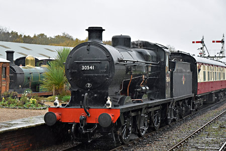 Q and C on the service trains at Horsted Keynes - Brian Lacey - 7 November 2015
