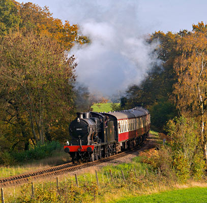 Q with its passenger train - David Warwick - 31 October 2015