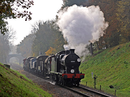 Q-class with the goods at Mill Place Cutting - Derek Hayward - 31 October 2015