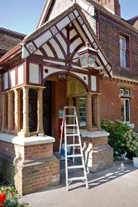 Restoration of station porch at Sheffield Park - John Sandys - 1 October 2015