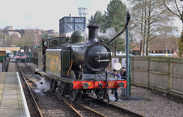 E4 takes water at East Grinstead - John Sandys - 18 February 2016
