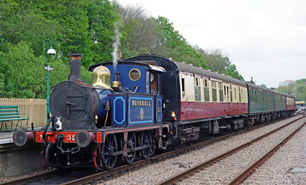 323 and B473 at East Grinstead - Brian Lacey - 11 May 2016
