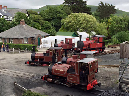 Gathering of 5 Fletcher, Jennings locomotives at the Talyllyn Railway - 2 July 2016