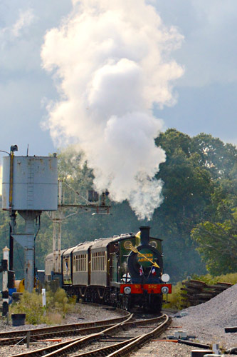 C-class arrives at Horsted Keynes with the Sunday Luncheon Golden Arrow service - Steve Lee - 9 October 2016