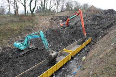 Loading waste onto the train using both excavators - Robert Else - 25 February 2011