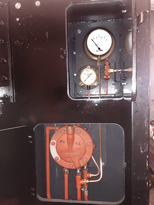 Valve and gauges in cupboards - Fred Bailey - 27 February 2020