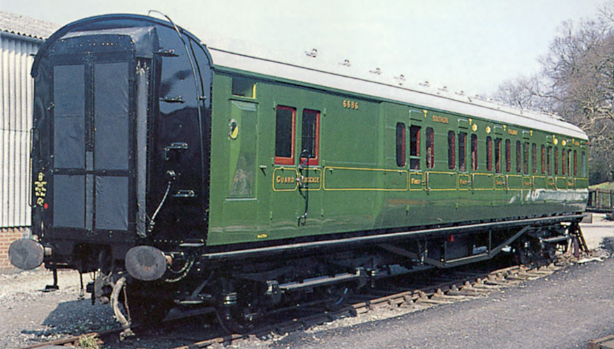 Compartment side and brake end of 6686 - Klaus Marx - 2 April 1997