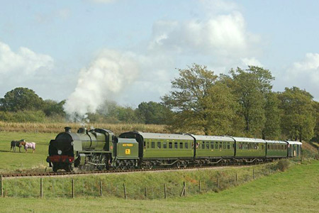 1638 on Freshfield bank with the Maunsell coaches - 25 October 2009 - Brian Easter