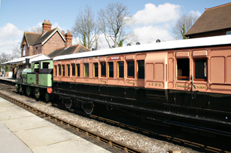 1520 with 488 in Sheffield Park Station - Alex Morley - 26 March 2010