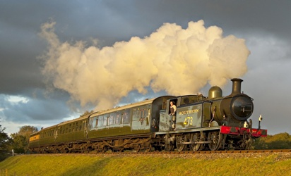 B473 with matching coaches at Three Arch Bridge - Brian Easter - 24 October 2010