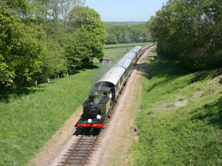B473 near Horsted Keynes with the first southbound train of the day - Tony Sullivan - 22 May 2010
