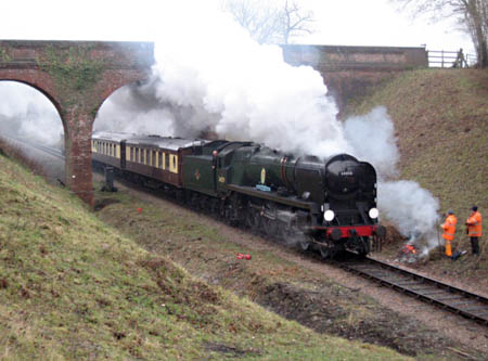 Sir Archie passes the lineside gang at 3-Arch Bridge - Brian Kidman - 15 December 2010