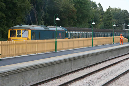 Arrival of 73208 and VEP - Andrew Strongitharm - 2 September 2010