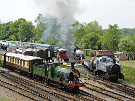 592 and WD1959 at Horsted Keynes - Derek Hayward - 7 May 2011