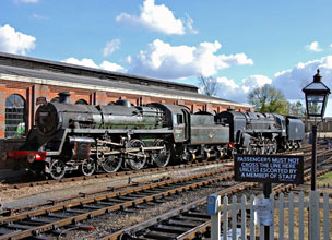 75027 and 92240 at Sheffield Park - Derek Hayward - 17 October 2008