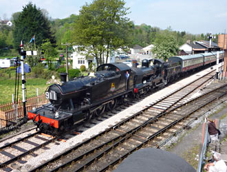 5526 and 9017 on Cambrian Coast Express at South Devon Railway - Thomas Breed - 22 April 2011