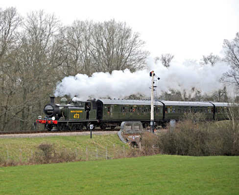 LBSCR E4 No.B473 at New Road Bridge - Derek Hayward - 12 March 2011