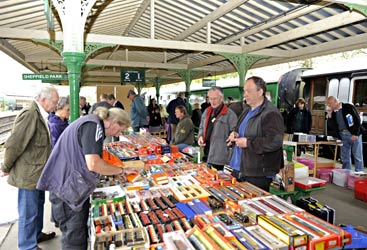 Stalls at Horsted Keynes at collectors fair - Derek Hayward - 16 April 2011