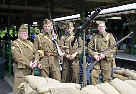 Home Guard re-enactors at Horsted Keynes - Derek Hayward - 7 May 2011