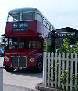 Vintage Bus on route 472 at Sheffield Park - Neal Ball - 1 May 2011