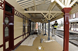 Final painting on Platform 2 canopy at Sheffield Park - Derek Hayward - 17 March 2011