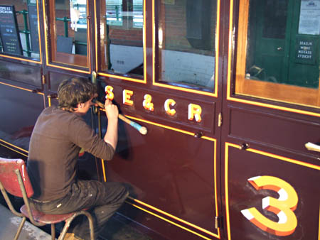 Stuart Fielder completing the lettering on 3360 - Richard Salmon - 25 May 2011