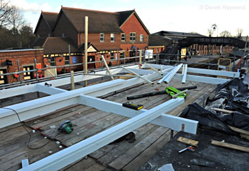 Construction of new canopy section at Sheffield Park - Derek Hayward - 18 January 2011