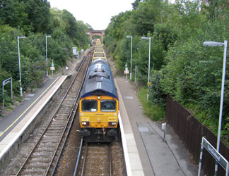 66707 on the incoming empties - Malcolm Porter - 22 July 2011