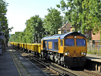 66714 at Dunton Green - Derek Hayward - 4 July 2011