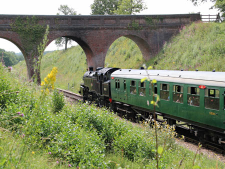80151 approaches 3-Arch Bridge - Robert Else - 2 August 2011